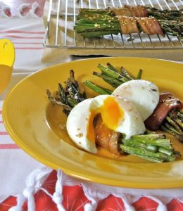 Bacon-Wrapped Asparagus and Eggs